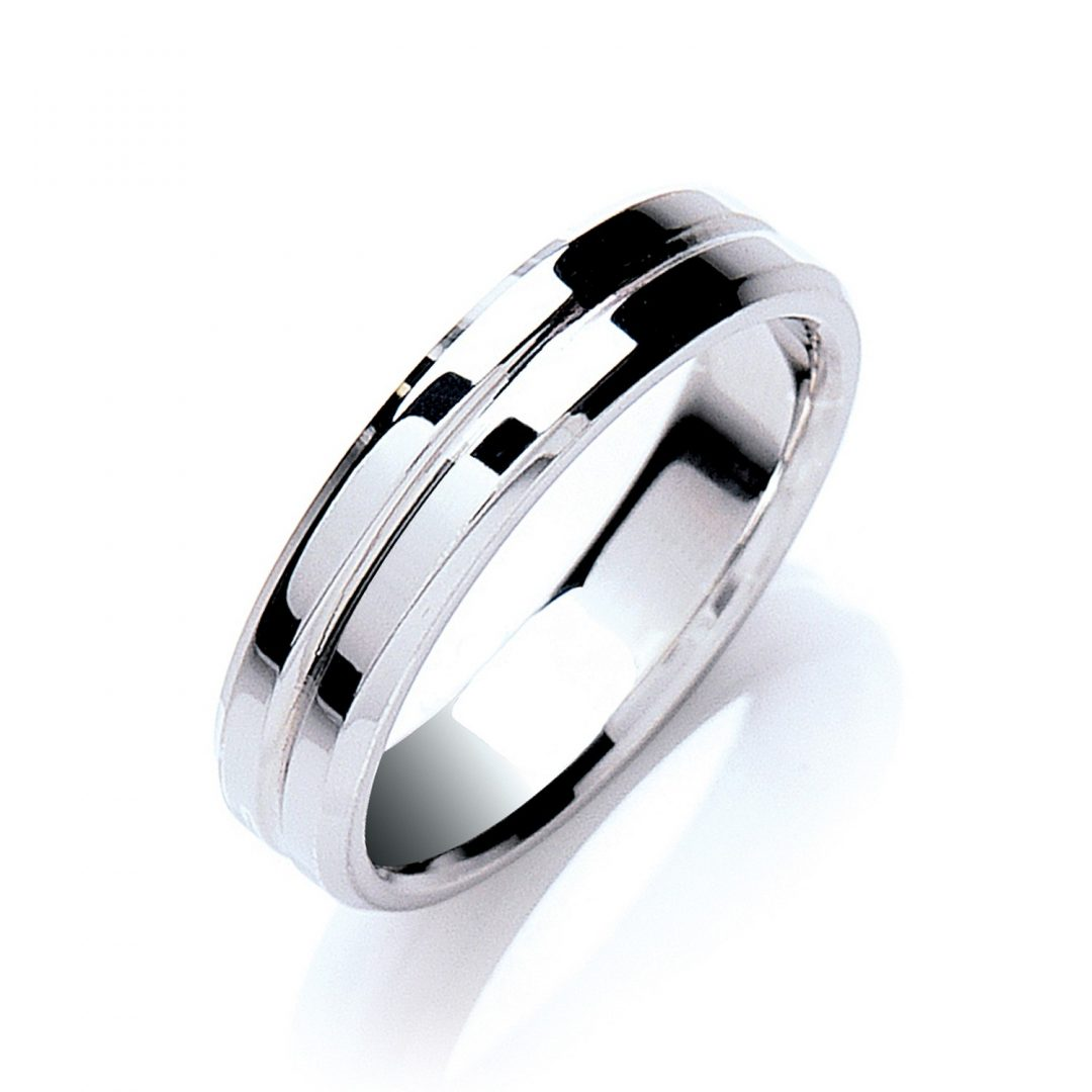 Flat Court Bevelled Edge Centre Groove Polish Wedding Band